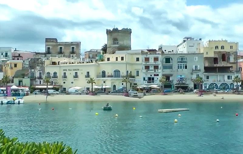 башни Торрионе остров Искья (Форио)
